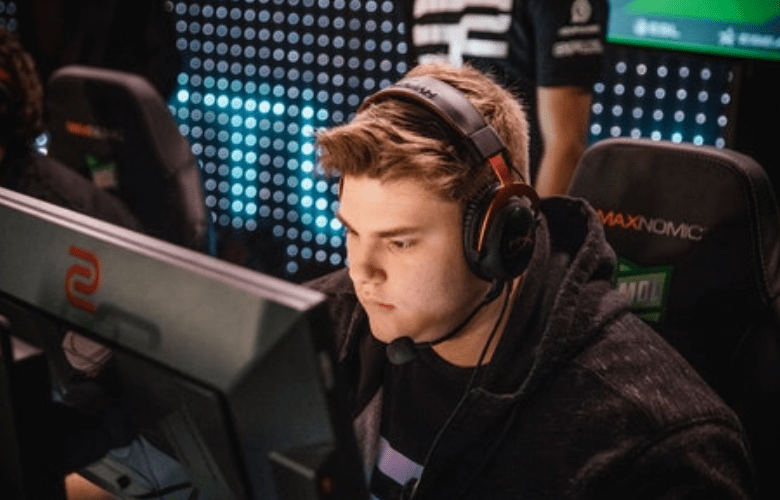 A CSGO Player Falls Asleep During The Start Of A Major Qualifier Match, Pushing Triumph To Forfeit Their Match Against Evil Geniuses At IEM Fall